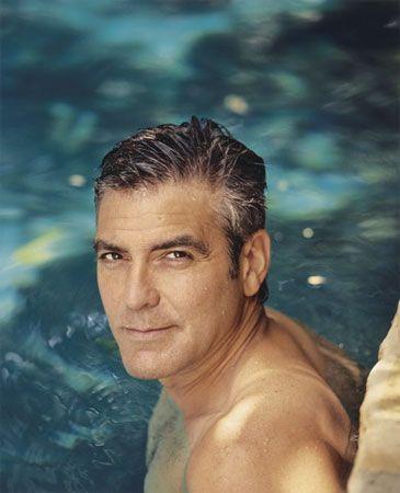 George Clooney  Clooney, doğuştan gelen yeteneğini Kuzey Kentucky Üniversitesi'nde ve 'Beverly Hills Oyunculuk Okulu'nda eğitim görerek geliştirdi!